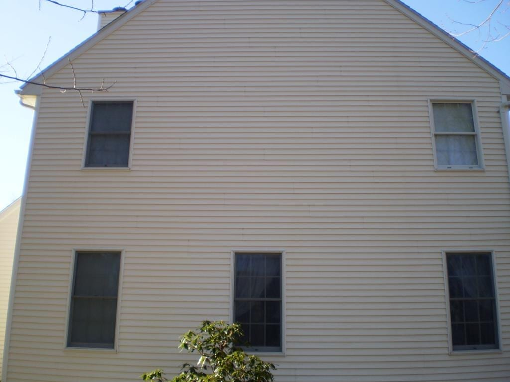 croton on hudson roof and house pressure washing, roof clleaning, roof shampoo, power washing, siding, decks
