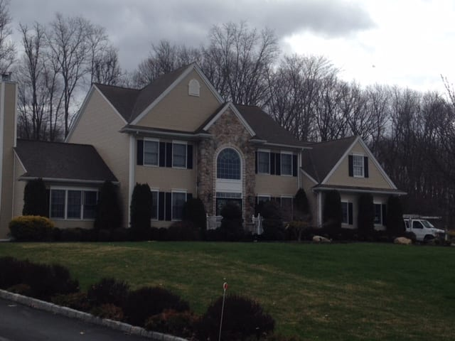 Residential roof cleaning, house pressure washing in Scarsdale, Katonah, Pound Ridge, Chappaqua, Armonk, Bedford Hills, Bedford, White Plains, Rye