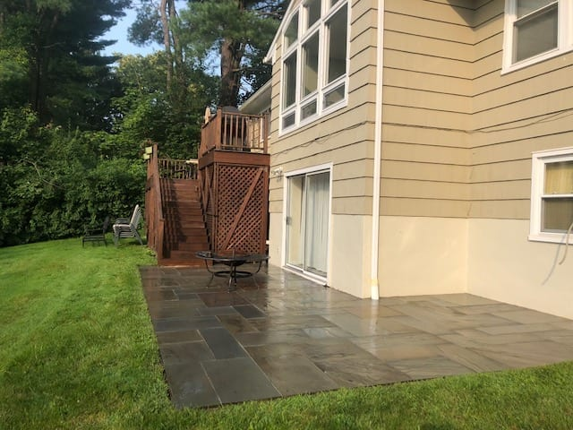 Chappaqua Slate patio cleaned, after deep pressure washing, westchesterpowerwashing.com. powerwashingwestchester.com, patios, decks, pavers, stone, wood, cement, concrete, composite decks pressure cleaned